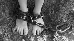 גם כשהכניסו אותי לכלא, עדיין לימדתי יוגה… סיפור אמיתי